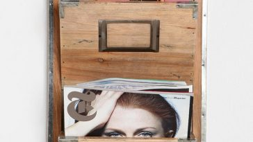 Wooden Room Magazine Rack
