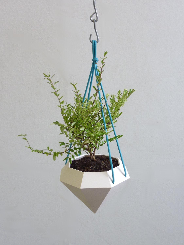 Diamond Curve Hanging Planter 1