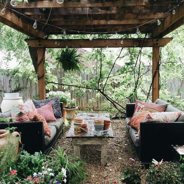 Outdoor Little Room Venice in Summer