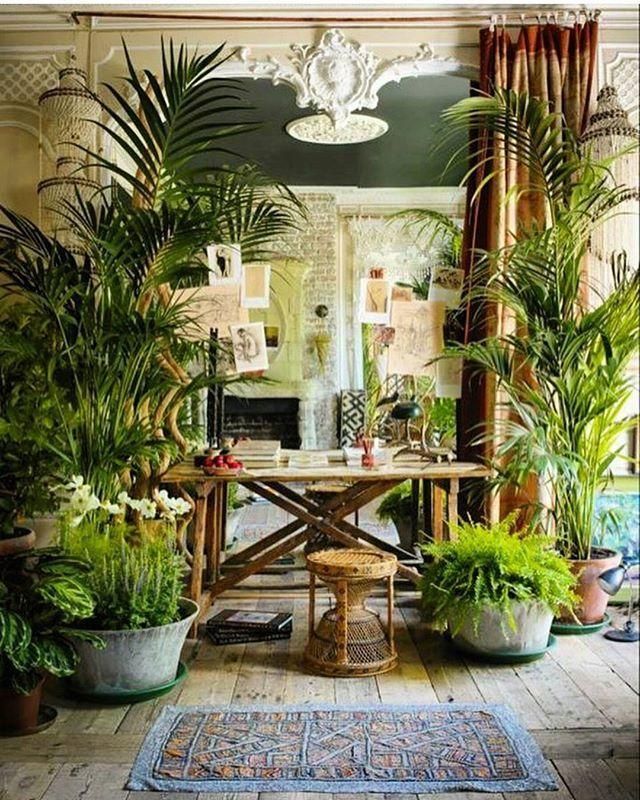 Sera Hersham-Loftus Summer Venice little room