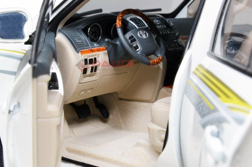 Toyota Land Cruiser 2012 interior photo diecast