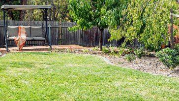 deakin canberra garden back lawn