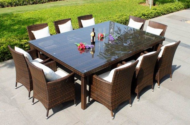 outdoor patio dining trable in rectangular shape