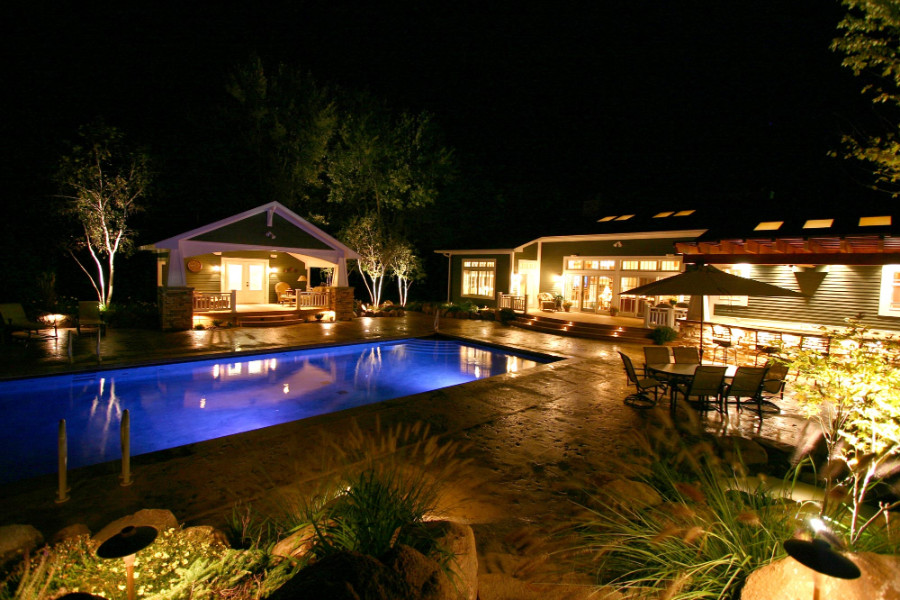 pool house at night view with lighting