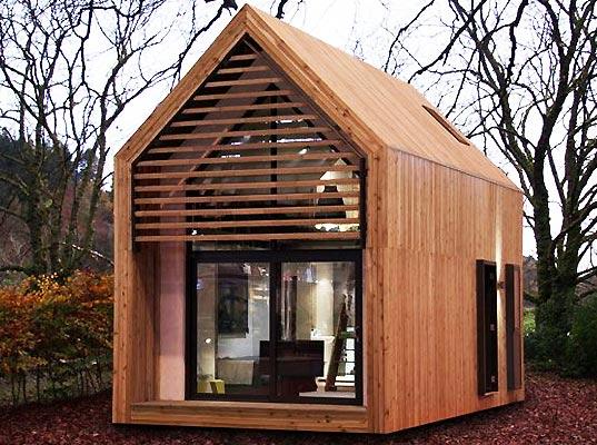 prefabricated dwelling for weekend getaway