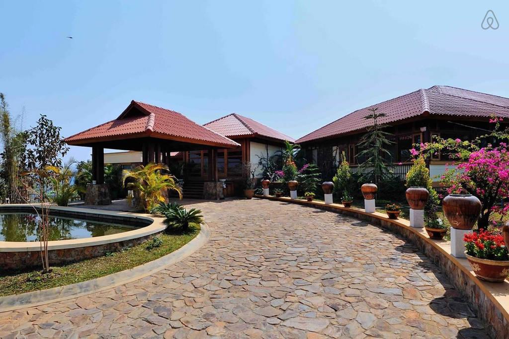 exclusive Crest villa in Mandalay mountain of Myanmar