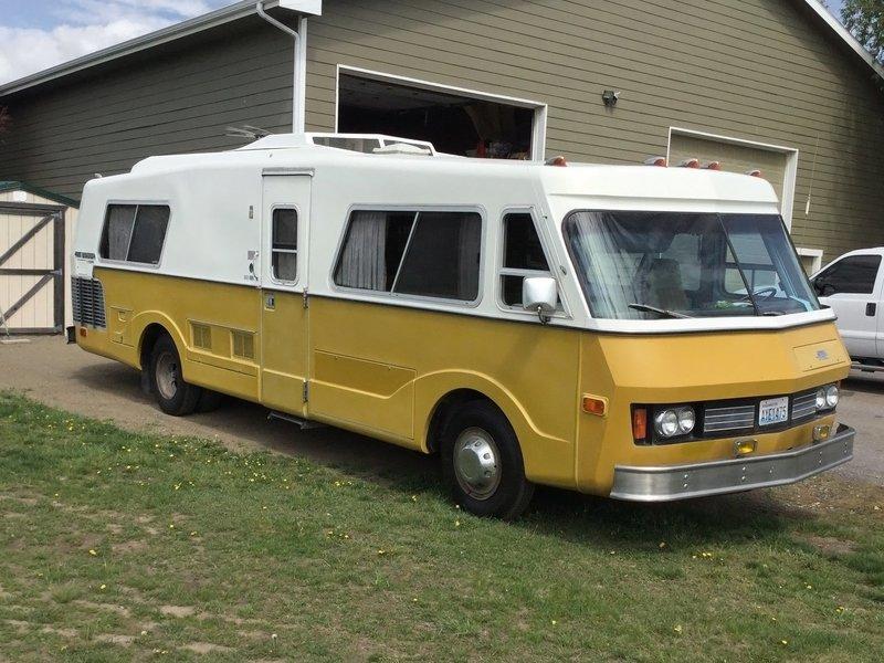 old barn caravan very old campervan