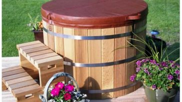 Japanese Style Outdoor Cedar Hot Tubs
