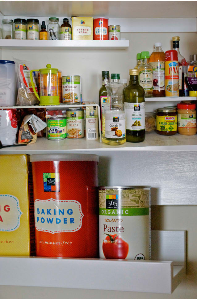 kitchen hack using photo display ledge for maximize pantry space