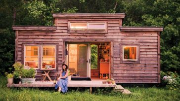 micro home on foundatiaon by Natalie Pollard